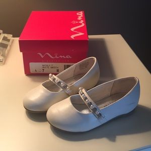 Nina girls, white shoes, size 7